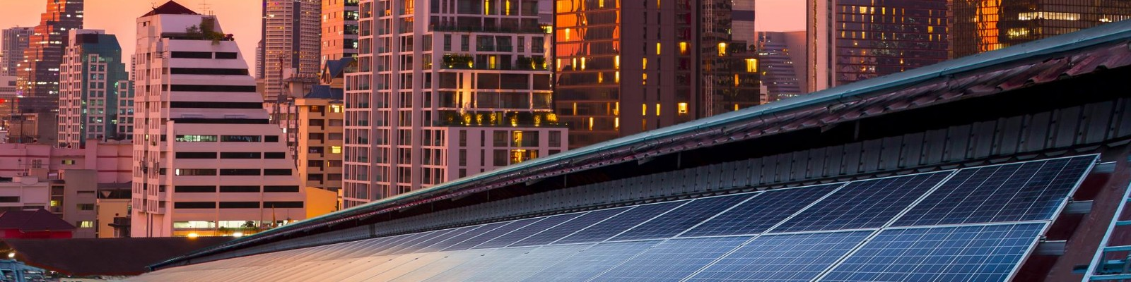 {:uk}Страхування сонячних електростанцій{:}{:ru}Страхование солнечных электростанций{:}